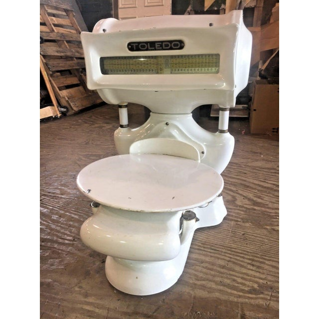 Very nice antique white porcelain scale by Toldeo. No springs honest weight, total Capacity 30 lbs. #638596 Style# 3535...