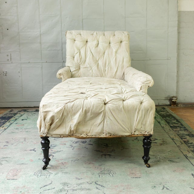 Mid 19th Century French 19th Century Napoleon III Tufted Chaise Longue With One Long Arm For Sale - Image 5 of 10