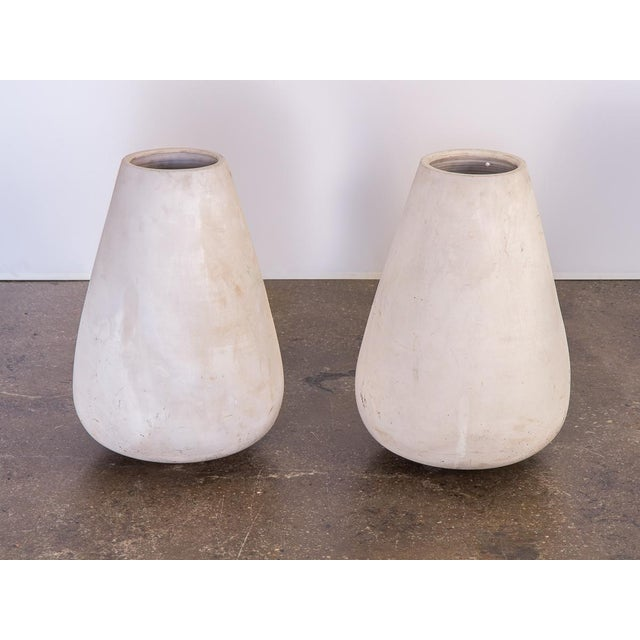 Ceramic Mid-Century White Teardrop Planters- A Pair For Sale - Image 7 of 7