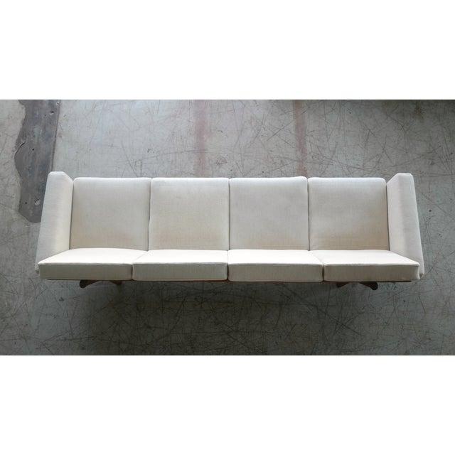 Hans Wegner for Getama Model Ge-236/4 Four Seat Sofa in Oak and Beige Wool For Sale - Image 10 of 11