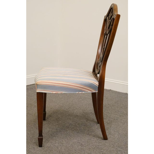 Traditional 1940s Vintage Duncan Phyfe Shield Back Dining / Side Chair For Sale - Image 3 of 6
