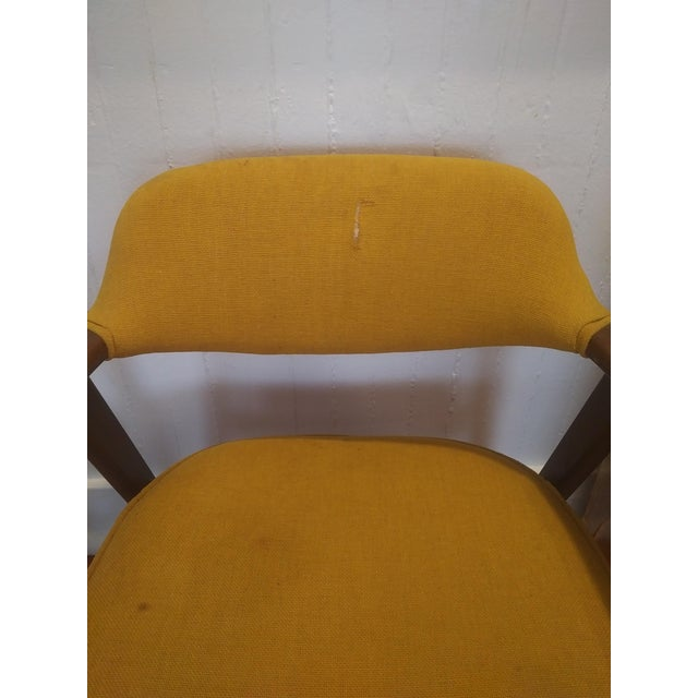 1960s Danish Modern Paoli Yellow Padded Chair For Sale In New York - Image 6 of 11