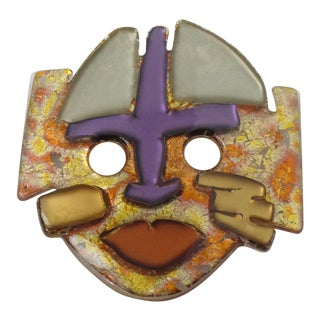 Anne and Frank Vigneri 1980s Lucite With Inclusions Oversized Mask Pin Brooch For Sale