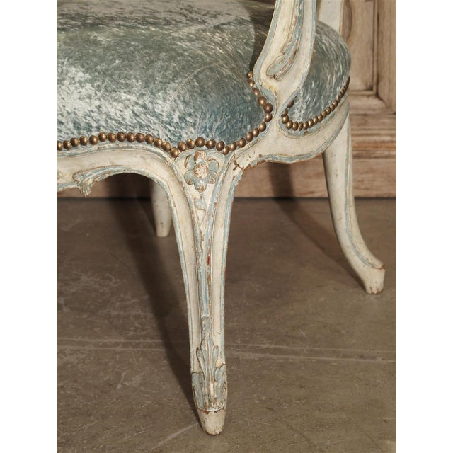 French Pair of Period French Louis XV Blue and Cream Lacquered Cabriolet Armchairs For Sale - Image 3 of 13