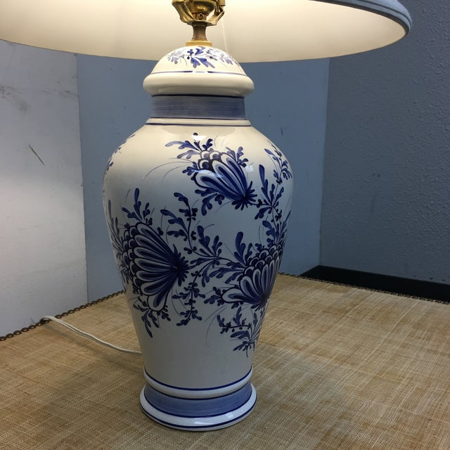 Eximious of London Blue & White Hand Painted Table Lamp - Image 4 of 9