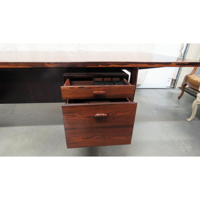 Mid 20th Century Large Mid-Century Modern Rosewood Desk For Sale - Image 5 of 11