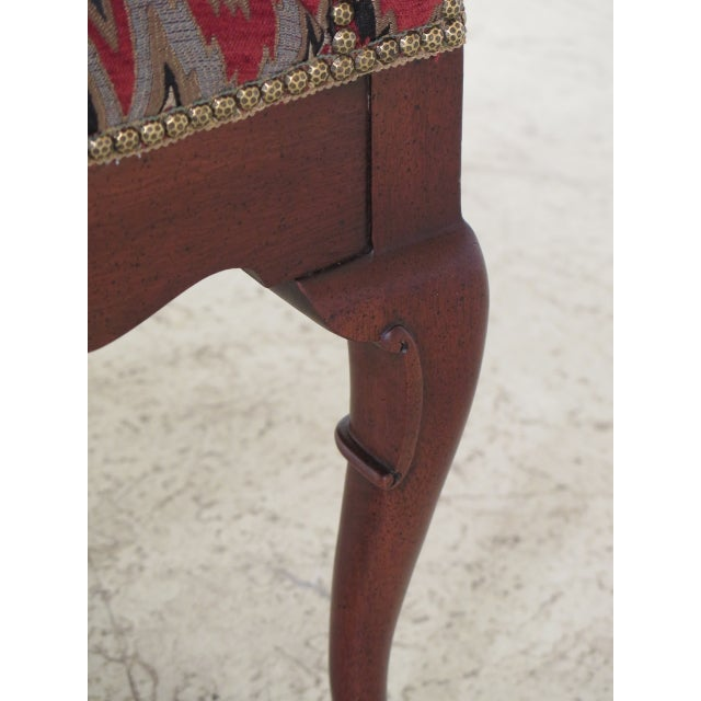 Queen Anne Queen Anne Mahogany Window Bench For Sale - Image 3 of 12