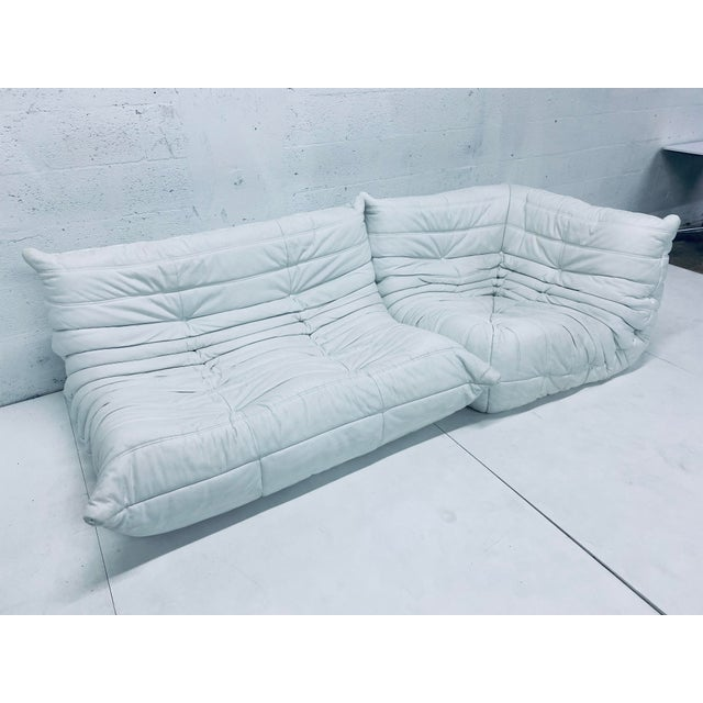 Michel Ducaroy for Ligne Roset White Leather Togo Loveseat & Corner Chair For Sale In Miami - Image 6 of 13