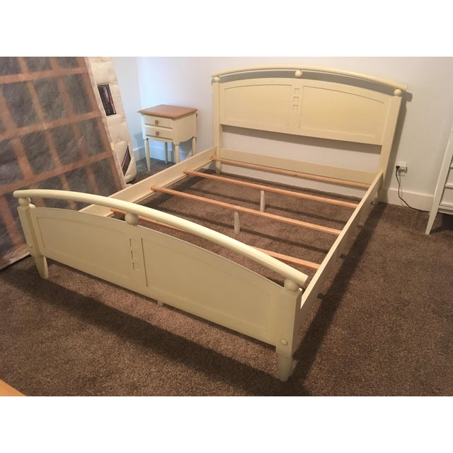 Ethan Allen American Dimensions Collection Queen-Sized Bed - Image 2 of 5