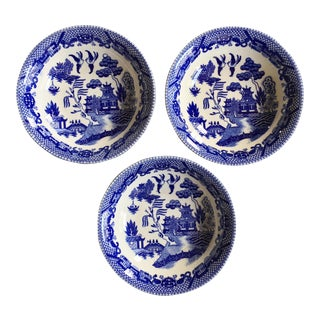 """Antique """"Blue Willow"""" Pattern Bowls - Set of 3 For Sale"""