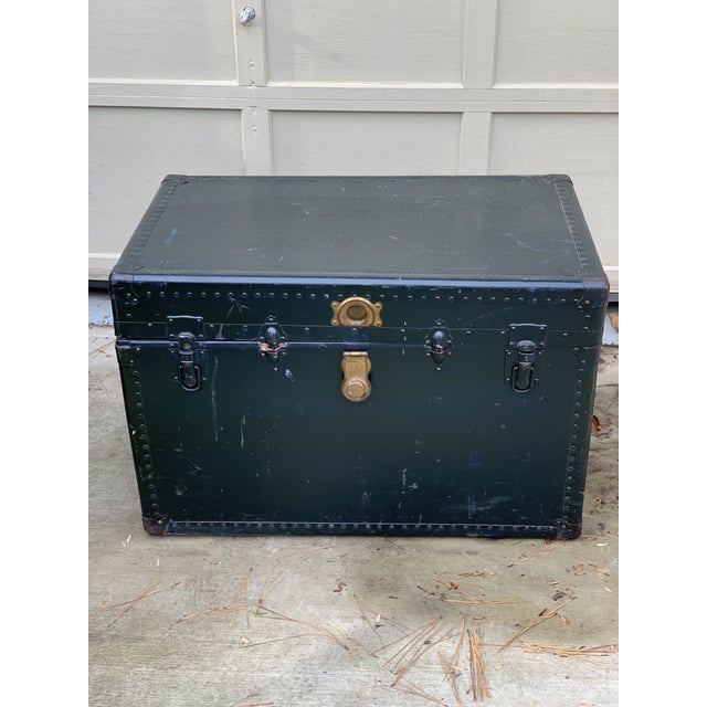 1940s 1940s Traditional Leather Trunk For Sale - Image 5 of 5