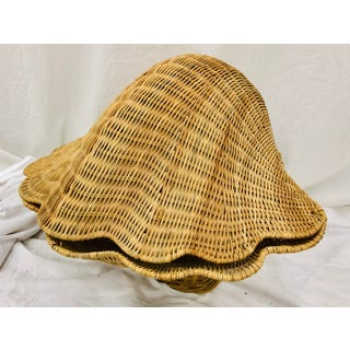 Vintage Woven Wicker Clam Shell Basket Preview