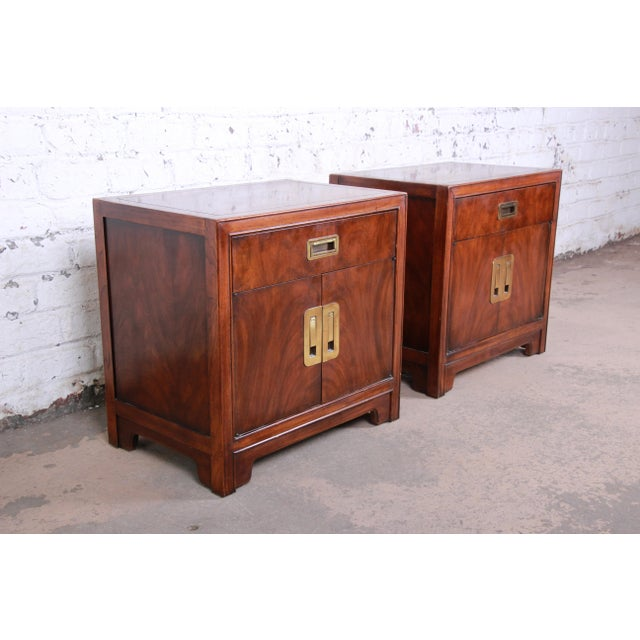 Asian Drexel Heritage Hollywood Regency Campaign Burled Walnut Nightstands - a Pair For Sale - Image 3 of 13