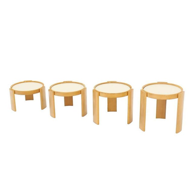 Set of very pretty round nesting tables by Cassina.