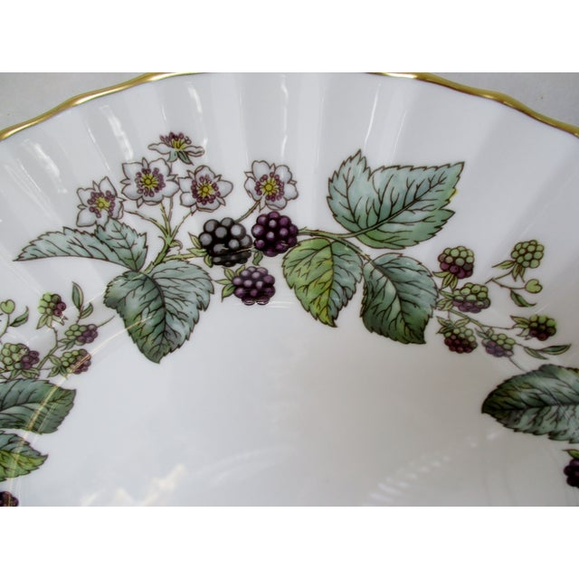 Late 20th Century Vintage Royal Worcester Plates - Set of 24 For Sale - Image 5 of 7
