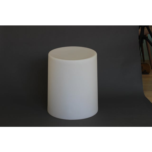 The name 10 Degrees is derived from the ergonomic angle of the seat. Produced from rotationally moulded polyethylene....