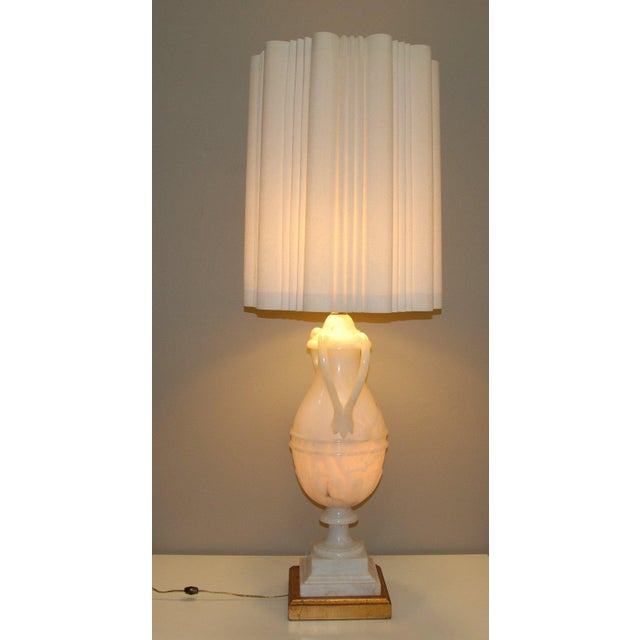 Hollywood Regency Circa 1950 Hand-Carved Italian Hollywood Regency Alabaster Lamp For Sale - Image 3 of 11