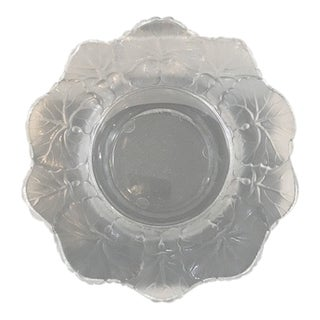 Vintage Lalique Honfleur Clear and Opaque Frosted Medium Geranium Cigar Ashtray For Sale