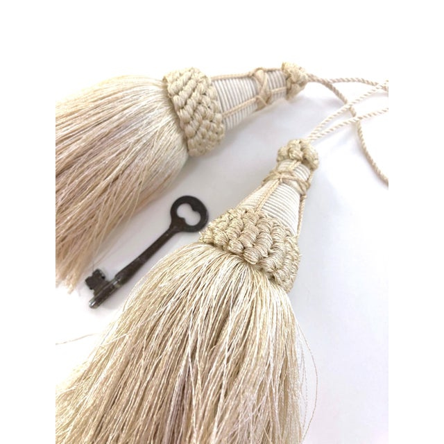 Cream Key Tassel in Cream With Looped Ruche Trim For Sale - Image 8 of 11