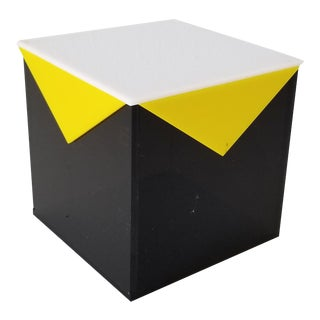 Vintage Postmodern Geometric Lucite Box . For Sale