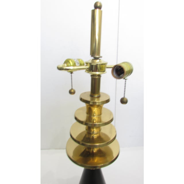 Mid-Century Modern Atomic Brass Table Lamp For Sale - Image 4 of 5