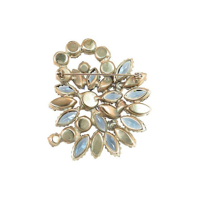 D&e Juliana Carved Blue Art Glass Brooch, 1960s For Sale In Los Angeles - Image 6 of 7