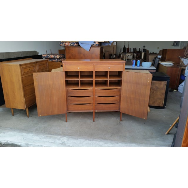 Mid-Century Modern 1960's Paul McCobb for Lane Delineator High Chest For Sale - Image 3 of 9