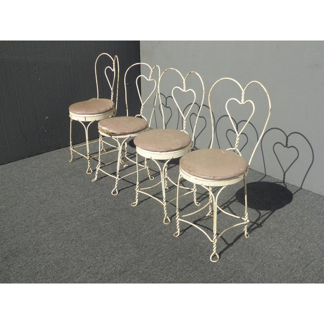 French Country Vintage Ice Cream Parlor Industrial White Table & 4 Heart Shaped Metal Chair Set For Sale - Image 3 of 12