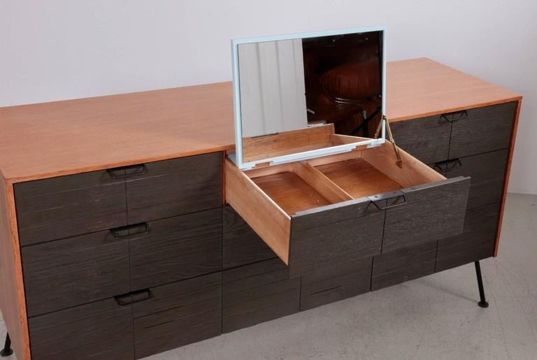 Attirant Dresser By Raymond Loewy For Mengel Furniture Company   Image 3 Of 9