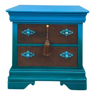 Broyhill Shabby Chic Coastal Nightstand For Sale