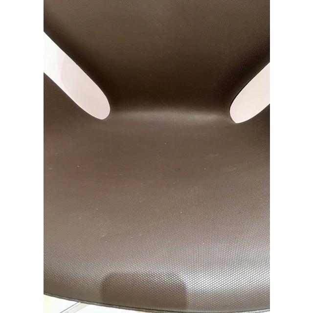 Arne Jacobsen for Fritz Hansen Swivel Swan Chairs - A Pair - Image 6 of 9