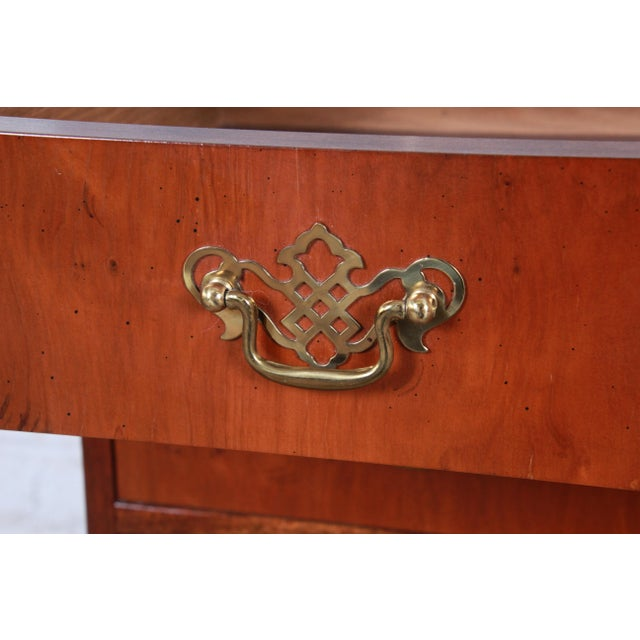 Gold Baker Furniture Georgian Mahogany Four-Drawer Bachelor Chest or Commode For Sale - Image 8 of 13