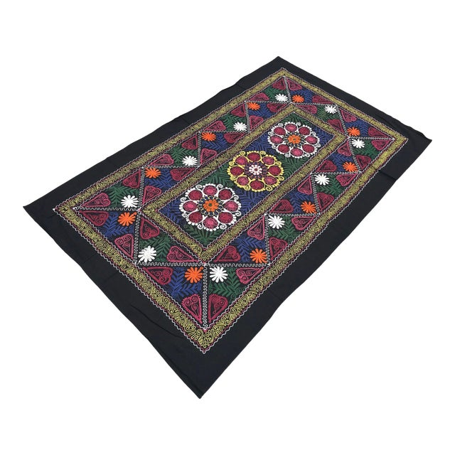 Vintage Suzani Boho Flower Design Bedspread / Wall Hanging For Sale