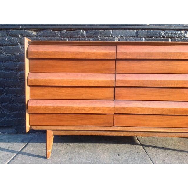 Mid Century Walnut Lane Furniture Dresser - Image 5 of 8