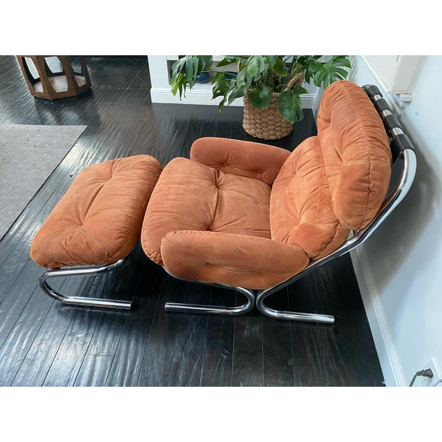 Mid-Century Modern Vintage Milo Baughman Pumpkin Suede Chair & Ottoman For Sale - Image 3 of 11