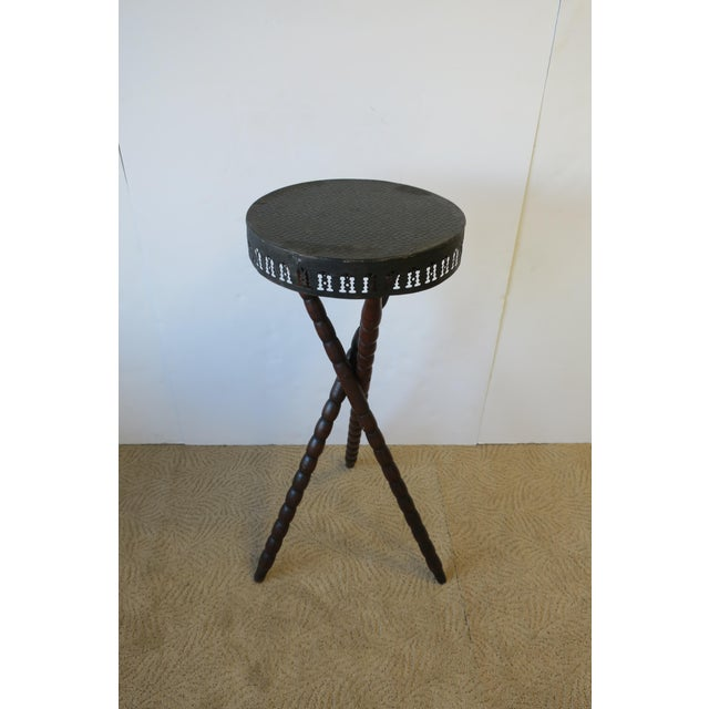 20th Century Rustic Black and Brown Tripod Side Table For Sale In New York - Image 6 of 13