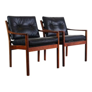 Set of Two Model 806 Fredrik Kayser for Vatne Lounge Chairs in Rosewood, Denmark For Sale