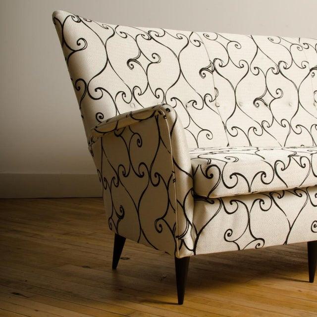 Wood 1950s Italian Paolo Buffa Style Sofa For Sale - Image 7 of 11