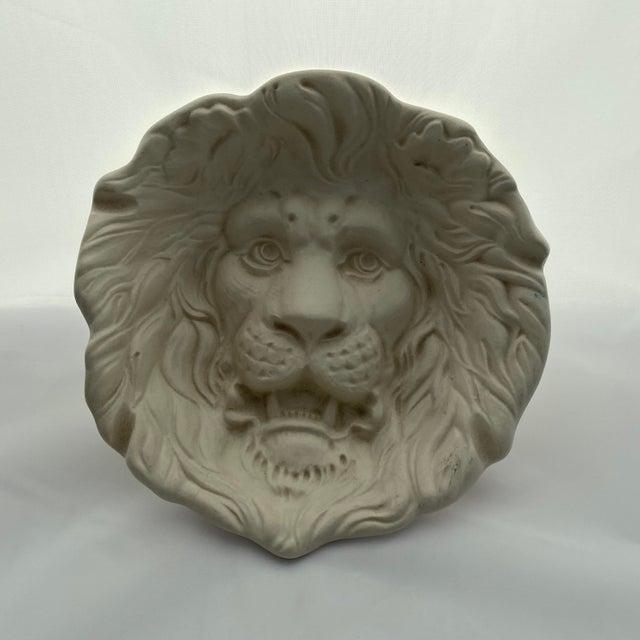 Antique White Haeger Lion Head Plate #2122 White Ecru Egg Shell Wall Art For Sale - Image 8 of 13
