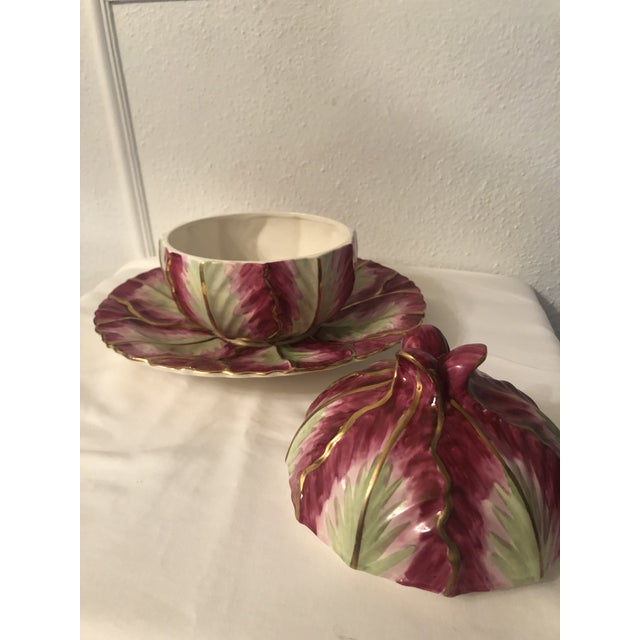 Hollywood Regency Mottahedeh Wallendorf Red Cabbage Tureen With Under Plate For Sale - Image 3 of 10