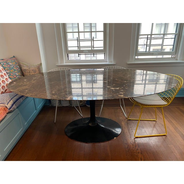 Eero Saarinen for Knoll Dining Table in Black Marble For Sale - Image 9 of 11