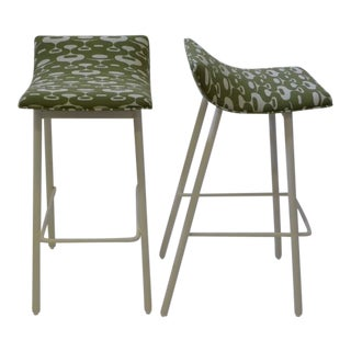 Pair of 1950s Mid-Century Modern Curved Seat Bar Stools For Sale