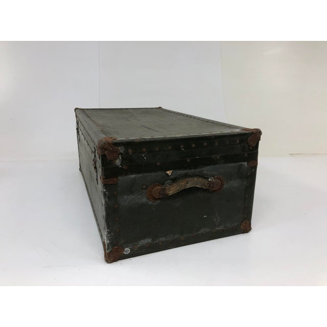 1960s Vintage Industrial Green Wood Military Foot Locker Trunk W Tray For Sale - Image 5 of 13