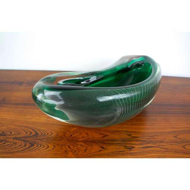 1950s Vintage Alfredo Barbini Sculptural Murano Glass Bowl For Sale - Image 5 of 9