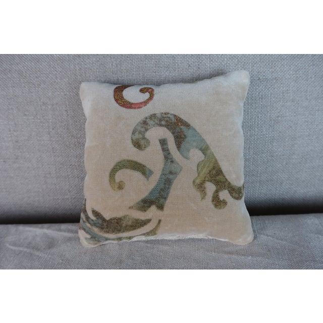 Transitional Nomi Velvet Lavender Sachet For Sale - Image 3 of 3