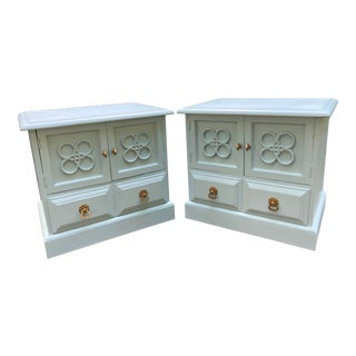 1950s Vintage Conant Ball Cotswold Collection Nightstands- A Pair For Sale