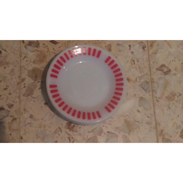 Hazel Atlas Red Candy Stripe Dessert Plates - Set of 4 For Sale In San Antonio - Image 6 of 6