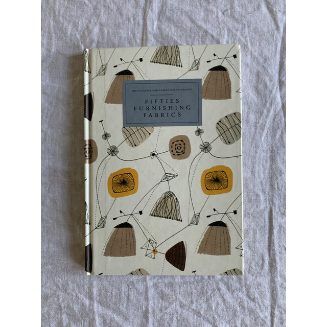 Great book for any interior designer, textile lovers ,etc! Produced by the Victoria and Albert Museum. In like new...