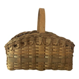 Antique Wicker Gathering Basket With Scalloped Edges For Sale