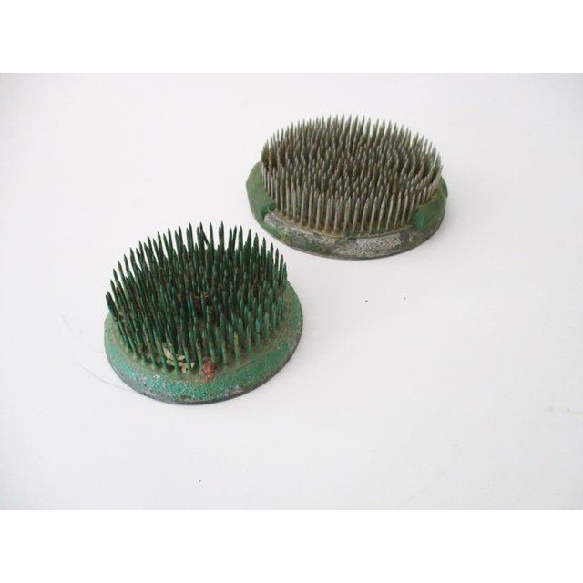 Green Cast Iron Flower Holder - A Pair - Image 7 of 10